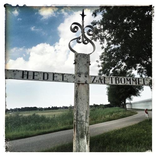 hedel_zaltbommel_old_sign.jpg